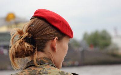 Frauen den Handschlag verweigern begründet Soldatenentlassung